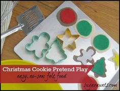 Easy, no-sew felt Christmas cookies...perfect for pretend play all year long.  This would make a great stocking stuffer! By Sugar Aunts