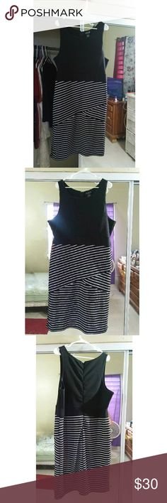 Plus Size Midi Dress 3x Worn only once Like new condition Zipper back Stretch Brand: Rouge Collection Comment for measurements Dresses Midi
