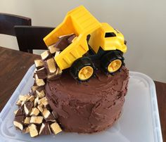 Construction Cake - How to host a stress free birthday brunch