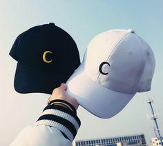 Boné lua 🌙 Cute Caps, Foto Blog, Diy Vetement, Vetement Fashion, Hat Embroidery, Dad Caps, Cool Hats, Sailor Moon, Harajuku