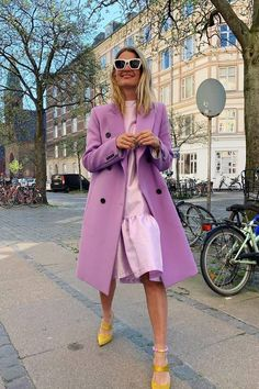 Autumn colour trends pastel shades of purple worn together 2019 kleidung, 10 New Colour Trends Every Editor Will Wear for the Rest of the Year Lila Outfits, Purple Outfits, Dope Outfits, Trendy Outfits, Dress Outfits, Summer Outfits, Colorful Outfits, Mode Purple, Purple Style