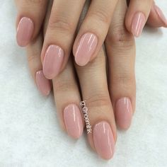 """Natural Gels for Tiffany using #PrestoGel #107 reshaped her squares into ovals.❤️ @enameldiction"""