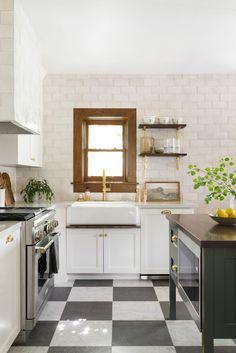 Kitchen Tiles, Kitchen Flooring, Kitchen Design, Checkered Floors, Checkered Floor Kitchen, Magnolia Design, Studio Mcgee, Dining Nook, Kitchen Trends