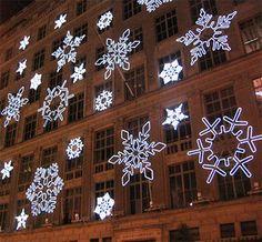 Google Image Result for http://njmomsguide.files.wordpress.com/2010/12/nyc-christmas-lights1.jpg