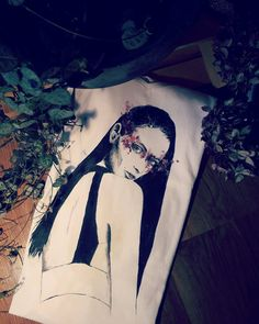 Zuzanna Bijoch hand-painted t-shirt by Bazgrająca Model, fashion, sketch, art