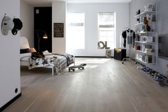 CASAPARK OAK SASSO 15 - Designer Wood flooring from Bauwerk Parkett ✓ all information ✓ high-resolution images ✓ CADs ✓ catalogues ✓ contact. Wood Stone, Types Of Wood, Plank, Living Spaces, Furniture Design, Sweet Home, Home Appliances, House Design, Flooring