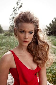 Side Swept Hair - Hairstyles and Beauty Tips