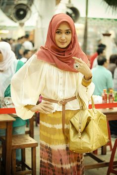 - Muslim Woman with Hijab 8 Islamic fashion Muslim Women Fashion, Islamic Fashion, Modest Fashion, Collection Eid, Moslem Fashion, Hijab Trends, Hijab Fashionista, Muslim Dress, Hijab Chic