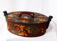 Norwegian Rosemaling Tine Box Gift basket with lid and handle