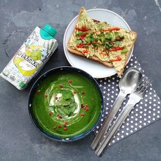 Spinach soup with @adunaworld plus avo toast with cilantro and sriracha, and a sip of delicious @infusioncompany yum!