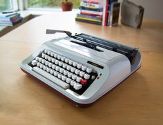 1970's President Typewriter. Plastic White Retro Design. Fully Operational.
