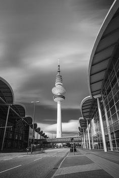 Fernsehturm an den Messehallen Hamburg