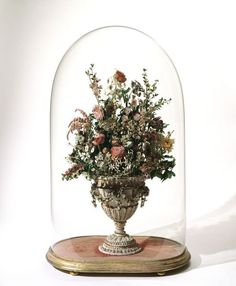 Victorian shell art | Victorian shellwork vase under dome display at