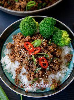 Koreansk färs är en riktigt god rätt som du enkelt slänger ihop på max 30 min! Lika god att tillagas med kött- eller veggofärs.