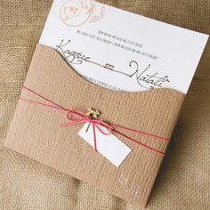 convite de casamento com papel kraft papel e estilo