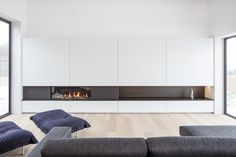 Fireplace Tv Wall, Modern Fireplace, Living Room With Fireplace, Condo Living Room, Living Room Interior, Home Interior Design, Modern Architecture House, Interior Architecture, Contemporary Fireplace Designs