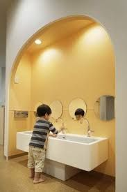 Home Discover May be remove that big hand washing thing in toddler room and replace with a big sink Kindergarten Interior Kindergarten Design Daycare Design Classroom Design Colegio Ideas Wc Decoration Decorations Kids Toilet Montessori Baby Daycare Design, Classroom Design, School Design, Kindergarten Interior, Kindergarten Design, Wc Public, Wc Decoration, Decorations, Colegio Ideas