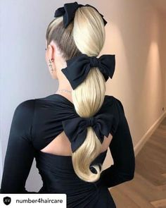 ponytail hairstyles A high ponytail hairstyle looks super pretty. And most importantly, you can wear it for any occasion. So, get familiar with this trend. High Ponytail Hairstyles, High Ponytails, Up Hairstyles, Pretty Hairstyles, Straight Hairstyles, Perfect Hairstyle, Hairstyle Short, School Hairstyles, Headband Hairstyles