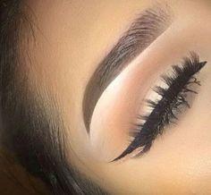 I want lashes & eyeliner like this❤❤