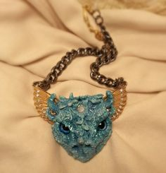 Dragon head Necklace, green and gold