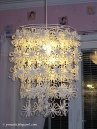 paperinaru ohje - Google-haku Paper Light, Handicraft, Ravelry, Diy And Crafts, Projects To Try, Christmas Decorations, Chandelier, Ceiling Lights, Candles