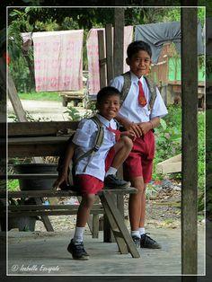 Sumatra... dans la jungle, l'école ! http://indonesie.eklablog.com/