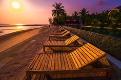 Read a wellness overview of Chantaramas Resort & Spa, Thailand, Koh Phangan with exclusive wellness content for spa breaks, offers, and the best rates taken directly from the hotel's booking engine! Moon Deck, Spa Breaks, Koh Phangan, Thailand, Wellness Tips, Resort Spa, Best Hotels, Surat, How To Memorize Things