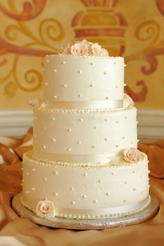 Swiss Dots Wedding Cake, Chapel in the Clouds at the Stratosphere Hotel, Las Vegas