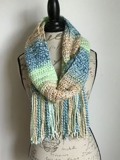 Daisy Days Scarf - free crochet pattern by Stitch Me In. Simple hdc (htr) scarf.