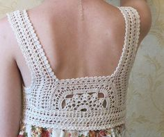 Diy Crafts - A great idea I have been seeing with crochet and fabric together. A must try for my list of things to crochet. Crochet Diy, Art Au Crochet, Col Crochet, Crochet Fabric, Crochet Collar, Crochet Woman, Crochet Blouse, Crochet Stitches, Crochet Bikini
