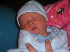 Our sweet baby at one week old - http://motherbabychild.blogspot.com/2011/01/1st-doctor-appointment.html #baby #picture