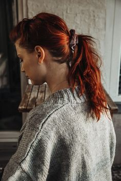 SCRUNCHIE MORGENROSA – Fleuriscoeur How To Make Scrunchies, Glamour, Elegant, Red Hair, Pink, Hair Pins, Braided Hairstyle, Hair Jewellery, Clouds