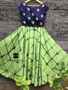 Kids Dress Wear, Kids Gown, Baby Dress, Little Girl Dresses, Girls Dresses, Kids Blouse Designs, Kids Ethnic Wear, Kids Frocks Design, Half Saree Designs