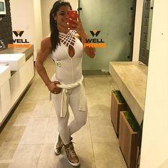 """""""Sextou !!! E na Bahia é dia de usar branco 😉😍💞 Então vamos malhar com macacão lindo @garotafitnessba 🙋🏻😘 Ótima sexta à todos!!! 🙏🏼❤️🍀 @garotafitnessba Vendas Atacado/Varejo Contato ✔️direct  #lifestyle #motivation #fitnessaddict #hardcoreladies #strongwomen #tagsforlikes #cleaneating  #healty #bodybuilding #nopainnogain  #strenght  #fitspo  #photooftheday #lifestylephotography #aesthetic #awesome #instahealth #healthychoice #getfit #eatclean #training"""" by @garotafitnessba. #capture…"""