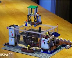 fishspace-lego-fish-tank-6