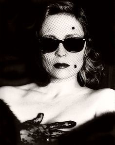 Faye Dunaway photographed by Helmut Newton for Vanity Fair.