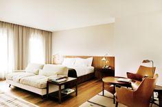 Square Nine Hotel, Belgrade / Isay Weinfeld