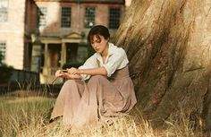 """Keira Knightley portrays the character of Elizabeth Bennet in the film """"Pride and Prejudice"""" beautifully and perfectly, but as much as 8 years later, remains her own harshest critic. 2005 adaptation of Jane Austen's novel. Keira Knightley, Keira Christina Knightley, Matthew Macfadyen, Pride And Prejudice Review, Winchester, Elizabeth Bennett, Jane Austen Novels, Mr Darcy, Film Serie"""