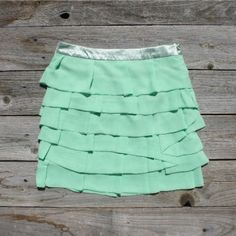 mint green, ruffle skirt!