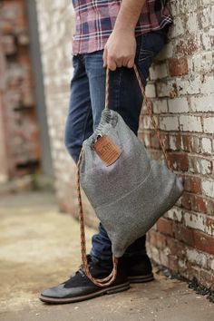LOCTOTE cut resistant and lockable bag made with Cut-Tex PRO