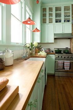 Kitchen Cabinets - CLICK THE PICTURE for Various Kitchen Ideas. #kitchencabinetmakeover #oakkitchencabinets