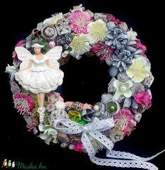 Kopogtató balerinával (22 cm) KÉSZTERMÉK (pinkrose) - Meska.hu Burlap Wreath, Wreaths, Vintage, Home Decor, Decoration Home, Door Wreaths, Deco Mesh Wreaths, Interior Design, Garlands