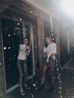 🍾#birthday #birthdayphotos #bff #love #fun #champagne #instagram 🍾 Bff Pictures, Best Friend Pictures, Friend Photos, New Years Eve Pictures, Party Pictures, Friend Birthday, Girl Birthday, Cake Birthday, Birthday Gifts