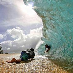 Clark Little Photography ~ Clark shooting seabass perez in the shore break a couple days ago. Photo by Tharin Rosa Clark Little Photography, Ocean Photography, People Photography, Nikon Photography, Amazing Photography, Kitesurfing, Big Waves, Ocean Waves, Foto Sport