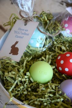 Easter Egg EOS Lip Balm Gift Idea and free printable Easter gift tags | theidearoom.net