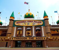 Mitchell Corn Palace - building is decorated with 275,000 ears of king corn, wheat and grasses.