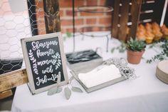 DIY Columbus Ohio Wedding. North Bank Park Pavilion. Photo: Greg Davis