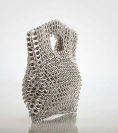 Bolsa com lacres de alumínio, linda:)