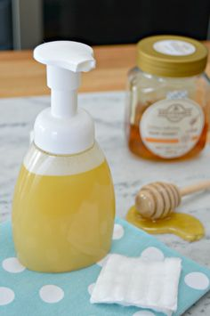 Homemade Foaming Face Cleaner with honey, essential oils and no chemicals. via @Mom4Real