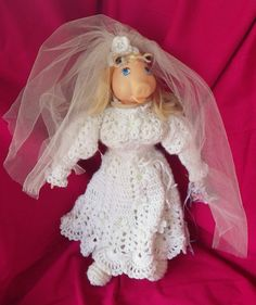 Bride Miss Piggy  in Jim Henson's Muppet Babies by puraphernalia